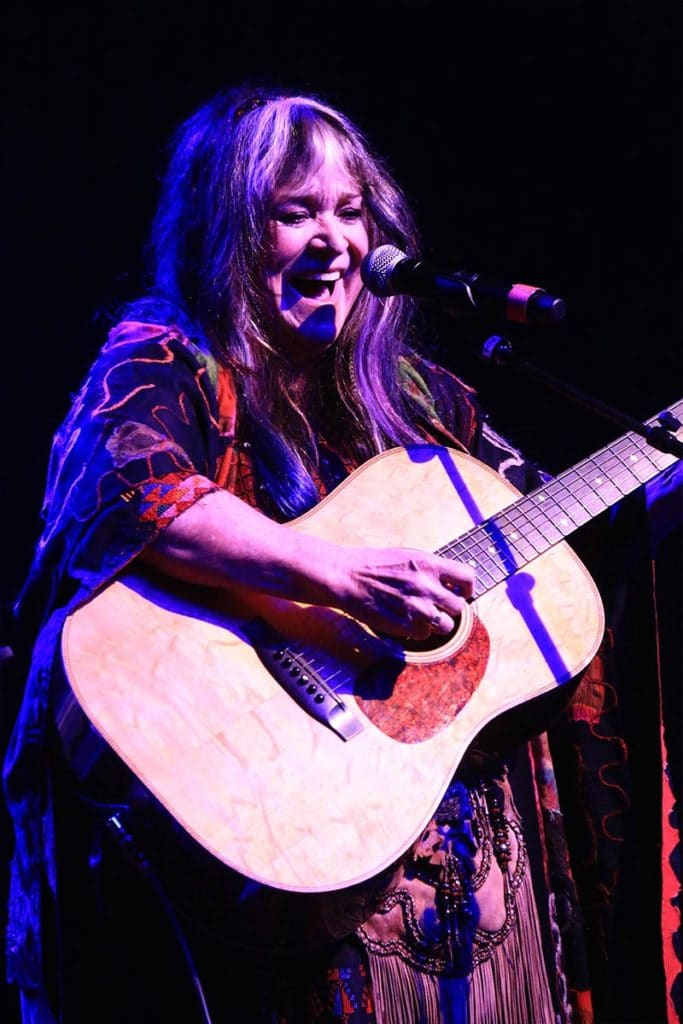 Singer / Songwriter Melanie performed live at the 7th Annual Hollywood Music in Media Awards.